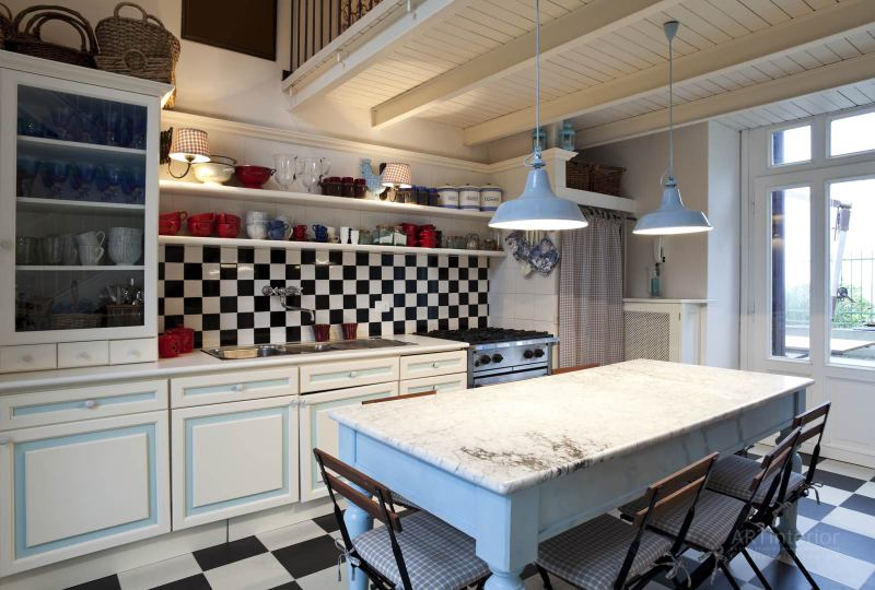кухня в ярких тонах | Дизайн и стиль интерьера квартиры, дома, офиса от «Artinterior», Киев, artinterior.com.ua