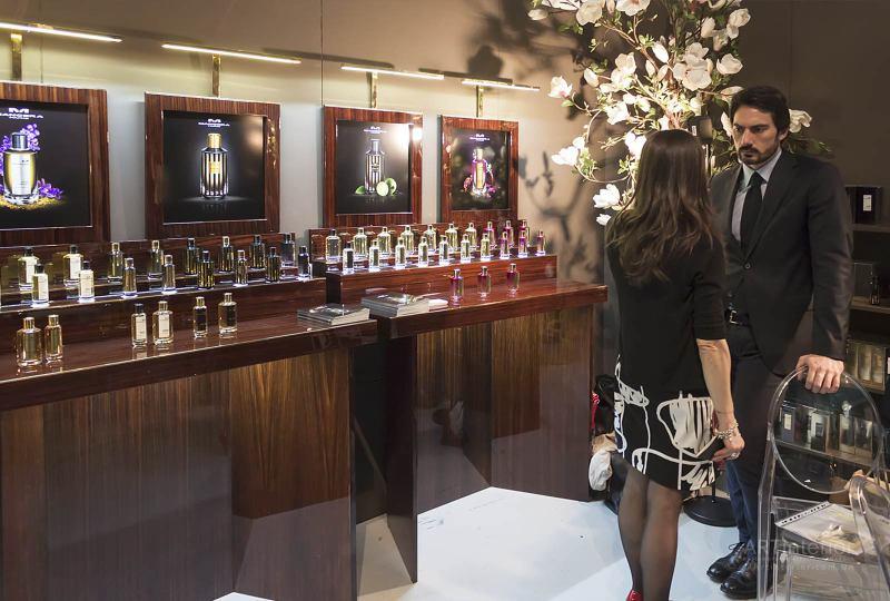 дизайнерский шоу-рум, салон парфюмерии | Дизайн и стиль интерьера квартиры, дома, офиса от «Artinterior», Киев, artinterior.com.ua